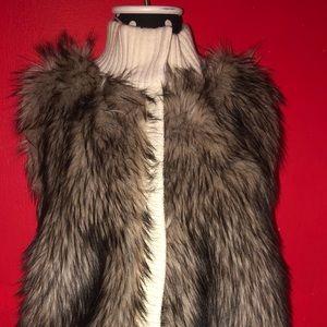 Woman's Michael kors faux fur vest